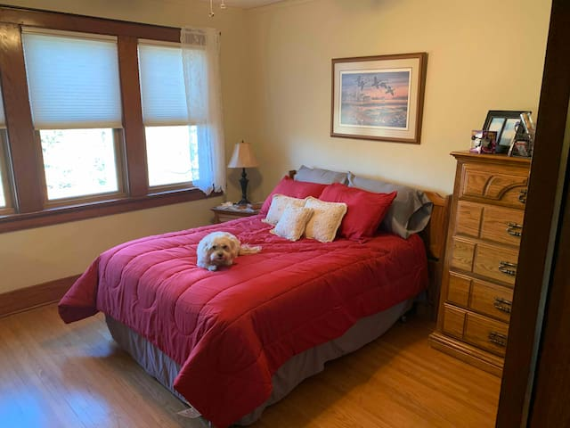 Each room has a welcome basket of items: toothbrush, spa slippers, head massager, mouthwash, shampoo and  more. This is the North bedroom. Double bed. Huge walk-in closest!