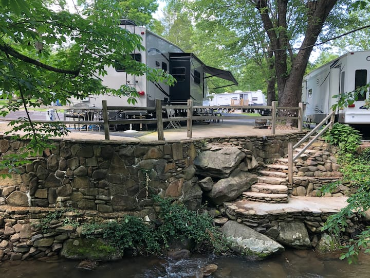 """""""Smoky Mountain Haven"""" 36' Creekfront RV with WiFi"""