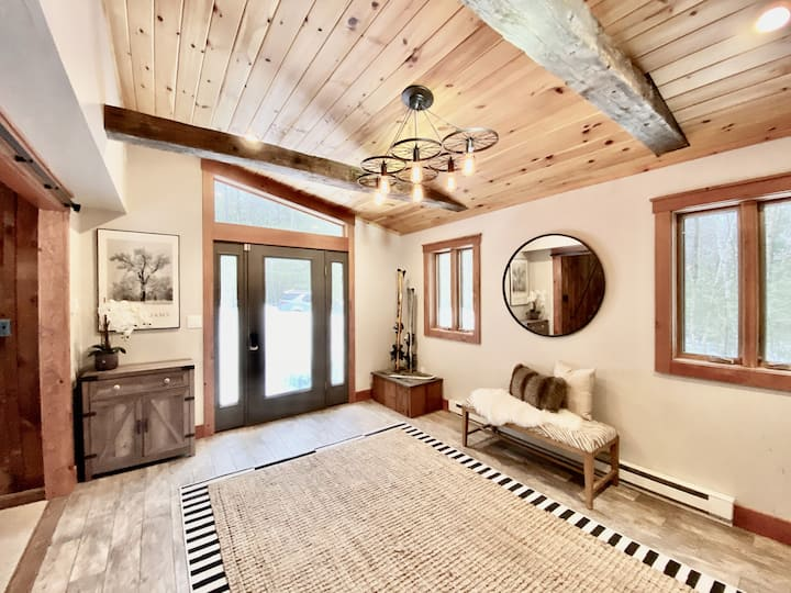 Secluded, rustic home-5 miles to Stratton mountain