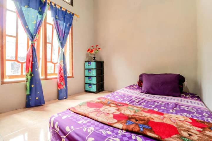 Homey Clean Room at Mutiara Guesthouse