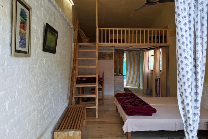 Kaaya Mezzanine room