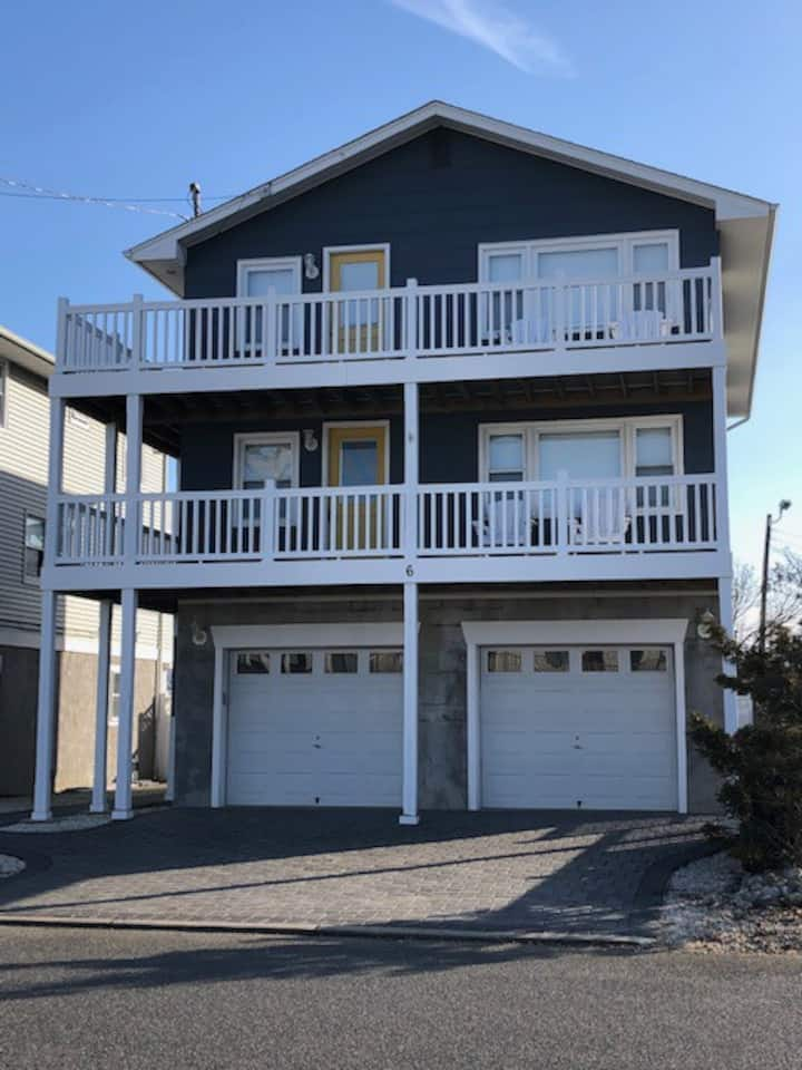 LBI Beach Getaway - 2ND Floor of Duplex