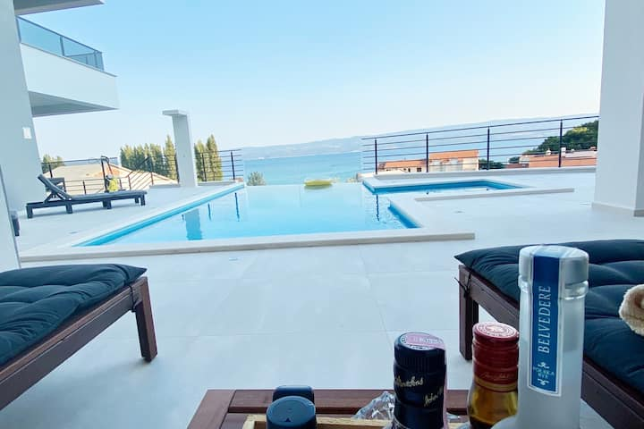 Villa Kebeo - Apartment 1, Duce-Omis