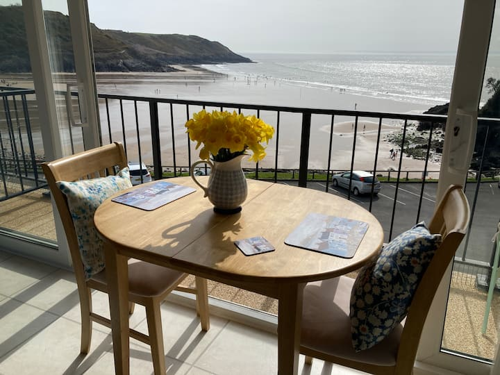 Self-Catering Apartment On Beautiful Caswell Bay