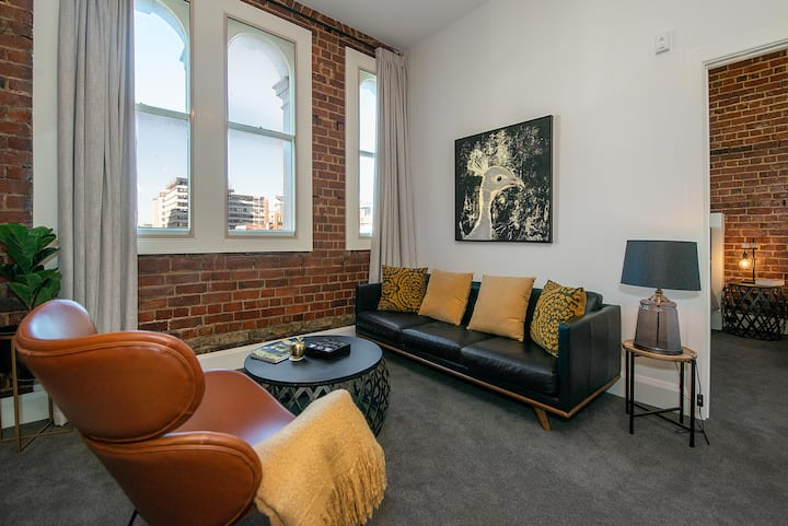 OUTSTANDING Central City Apartment B - 2 Bedroom