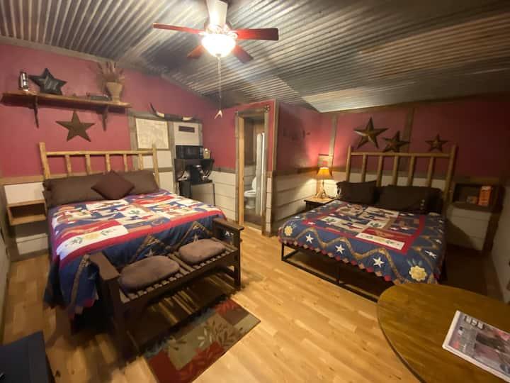 """Acorn Hideaway Bed and Bath - Frontier Suite """"C"""""""