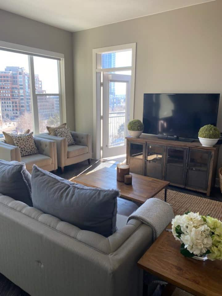 Private Room in the Heart of Downtown Denver!