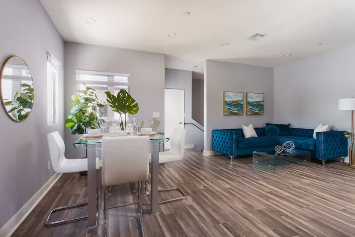 Hollywood Royal Home+PRIVATE+SANITIZED+BEST AREA