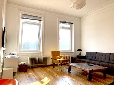 Helle Wohnung in der Schanze bis Mitte Juni