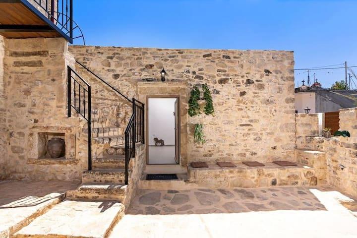 Villa Isida - next to Gortyn - Jacuzzi - relax
