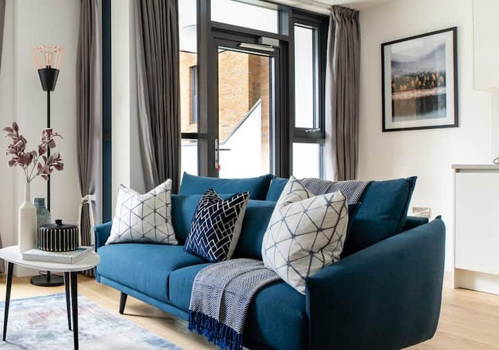 Contemporary One Bed Apt in Wembley by TheSqua.re