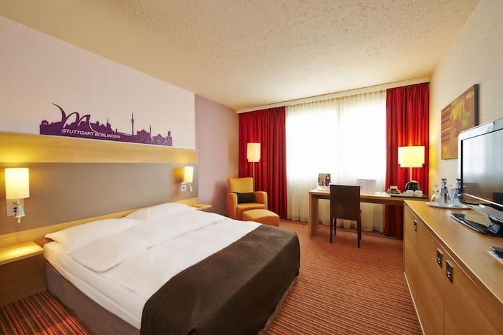 Komfortables Zimmer in Böblingen 2 (Mercure Hotel)