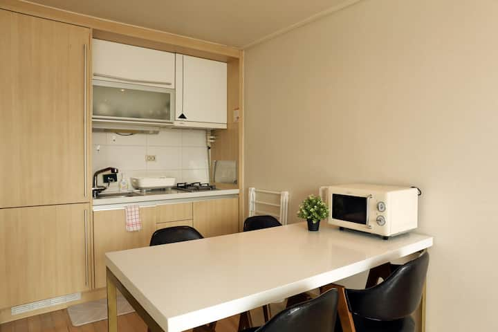 [분당/수내] 여유롭고 깨끗한 WHITE HOUSE (화이트베딩, 암막커튼, 세라믹테이블)