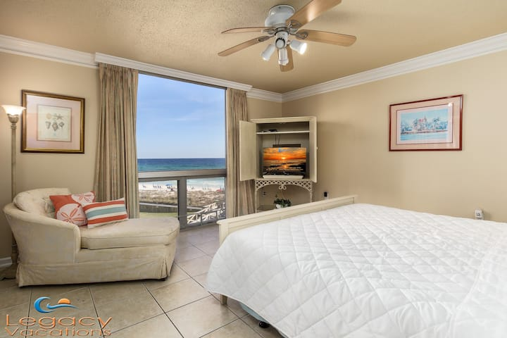 Beachfront - Gulf Views from Almost Every Room!