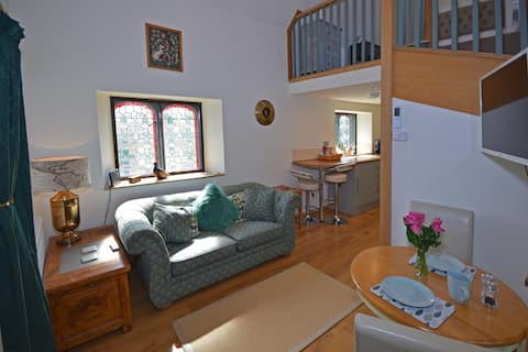 Cosy converted Chapel  in the Somerset Levels