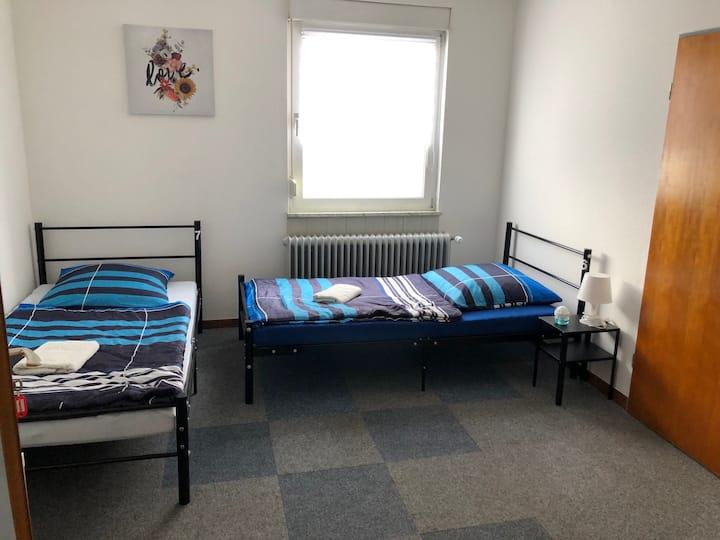 Wohnung für 7 Personen Bad + Küche bei Frankfurt
