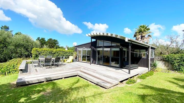 Woodlands Retreat - Waiheke Escapes