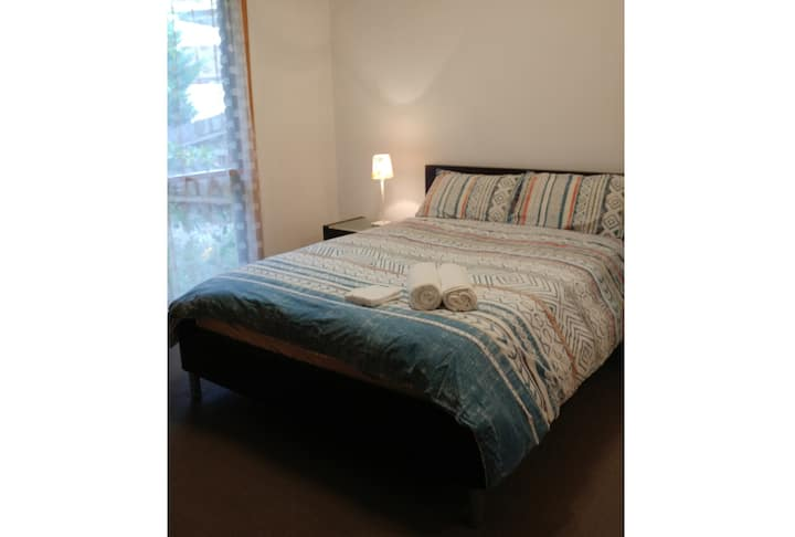 Private Ensuite room in Werribee( room A)