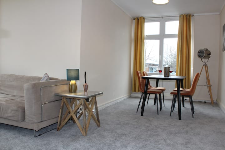 A PERFECT BASE FOR DURHAM CITY 2BED APARTMENT