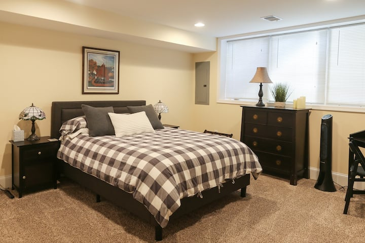 Historic Old Town Alexandria Private Apartment