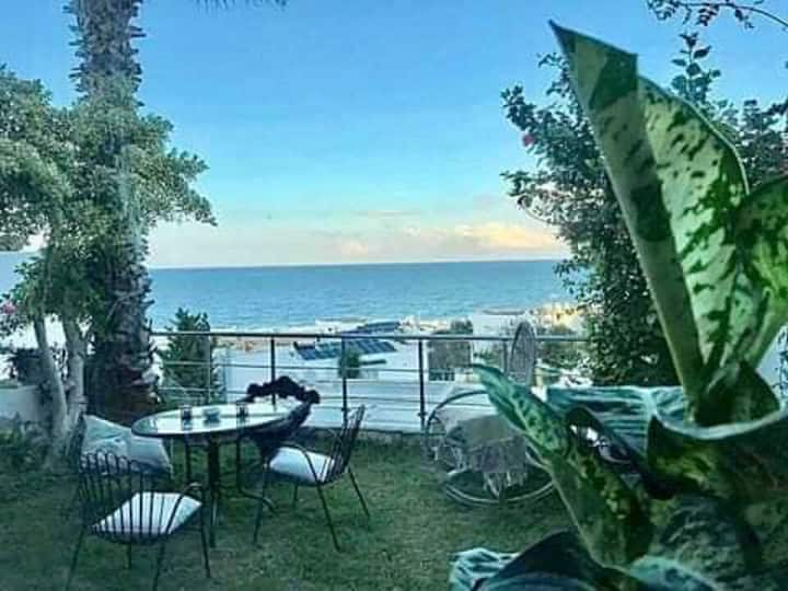 Enjoy Sunsets at Fully Equipped APT at the Beach