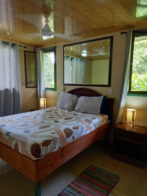 Secure  Jungle cabina room in Manuel Antonio # 4