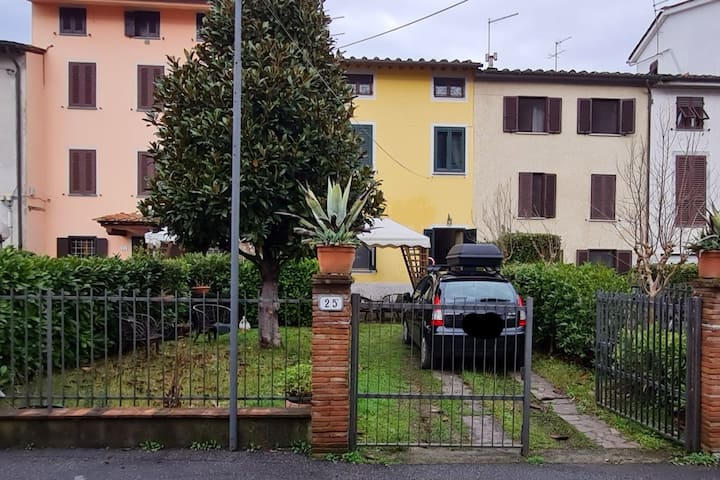 Casa Massei in Toscana. campagna e città.