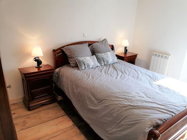 chambre 3 / 13 m2 /lit double 140