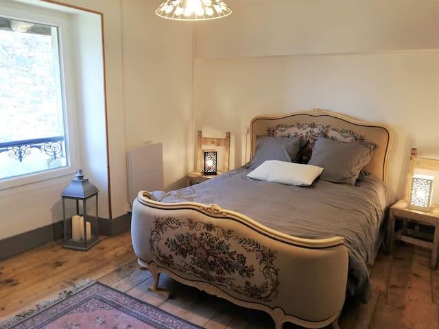 chambre 2 / 11 m2 / lit double 140