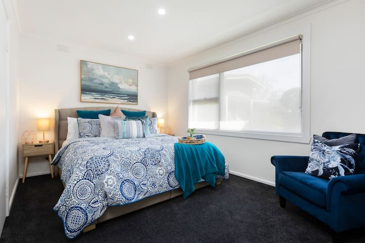 """""""Very quick response, super comfortable stay, amenities were great and big comfy bed! We wish we could have stayed longer!""""  King size bed with TV and chromecast."""