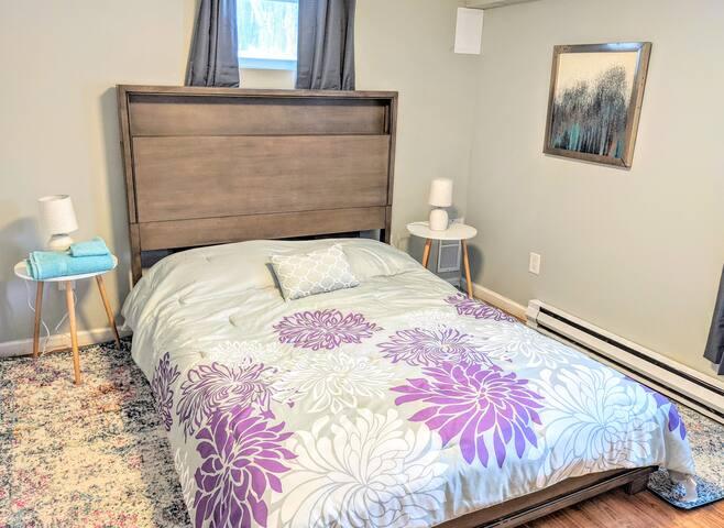 Bedroom #5 - Queen Bedroom on 1st floor with tons of closet space!