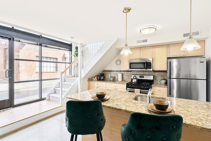 RVA Fabulous Private Apartment - Newly Renovated!!