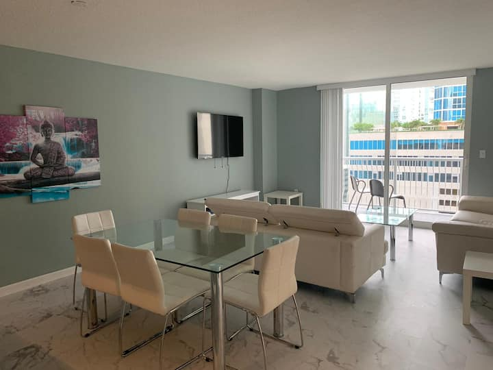 Ocean View exquisite Apartment At Brickell bay 1/1