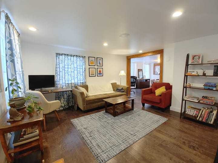 Newly renovated Spacious 2BR apt with a porch