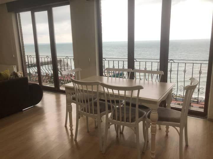 Modern 2bd Duplex with Gorgeous Sea View in Center