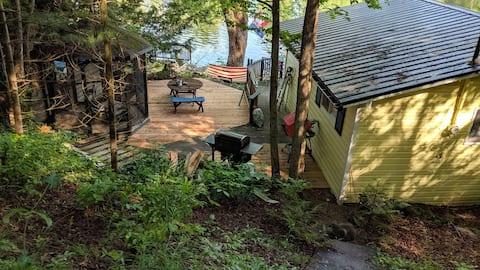 Waterfront Cottage Retreat in Kawartha Lakes