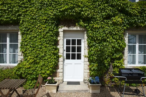 Newly Renovated! Loire Valley Fig Tree Cottage