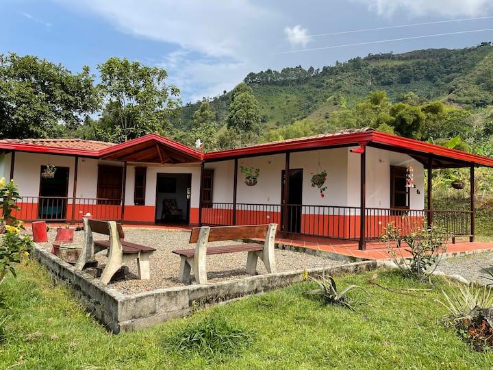 Maravillosa Villa con vista a Fincas Cafeteras