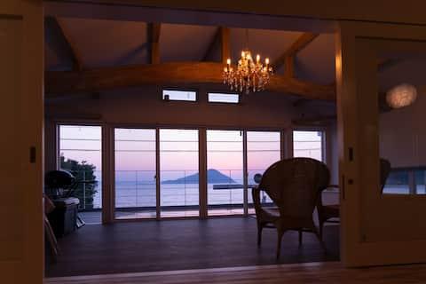 10月10日オープン『海と夕陽 Turquoise Serenity』海まで徒歩10秒。先月大改築