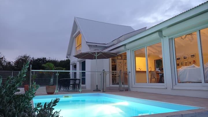 Maison avec piscine proche de la plage et du golf