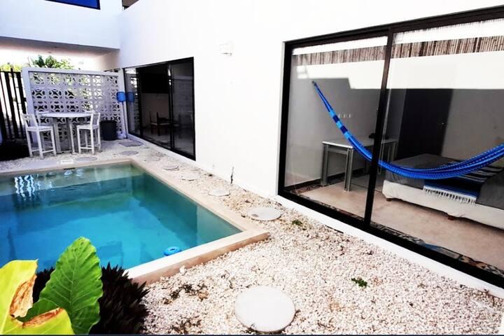 Casa BALAM. Zona residencial. Con alberca privada.