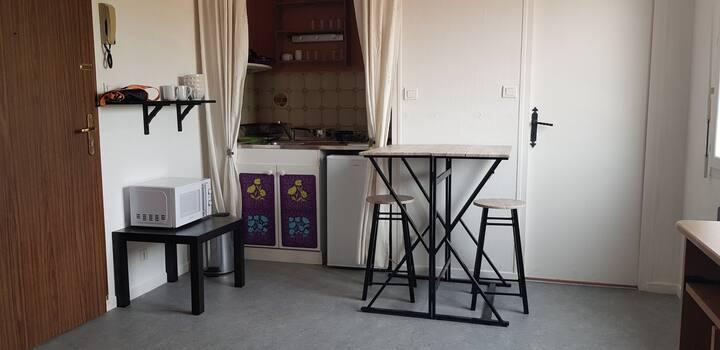 Studio dans résidence calme
