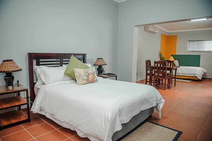 Amaziah Guesthouse - Kuruman Room 3