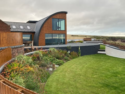 """The Edge - Amazing 140-foot"""" Cliff Top Views"""