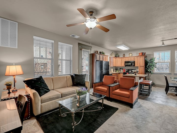 Dream Location,Pet Friendly,King Bed,Outdoor Space