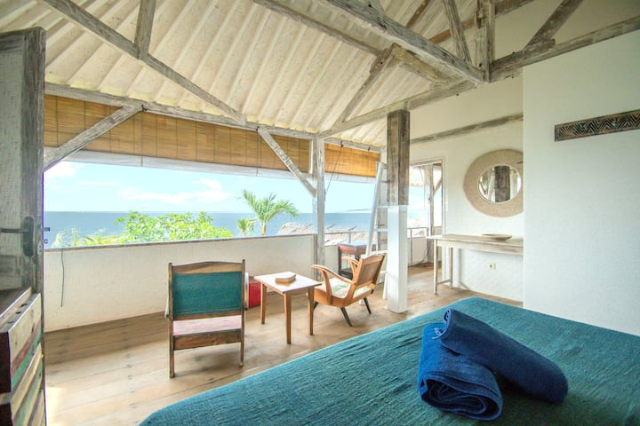 Bingin Ocean Front Room for Adventurous Surfer