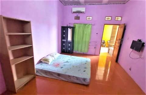 Clean room with Kitchen at Griya Euis dan Aisha