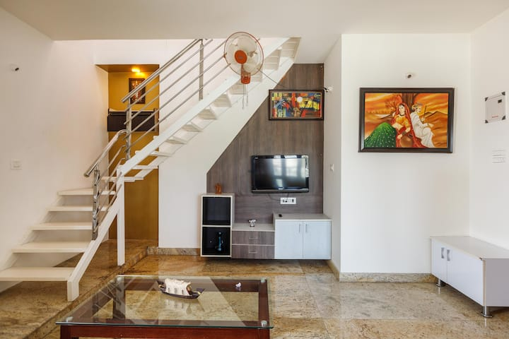Cosy Penthouse near Brigade WTC/IISC/C'bia Asia