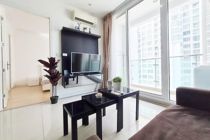 THE IMPRESSING STAR LIGHT 1 BR/WIFI/RAMA9/POOL/RCA