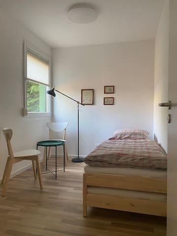 Schlafraum mit Einzelbett
